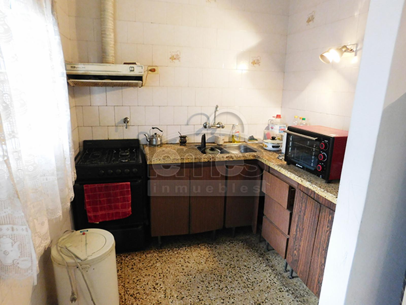 Casa + local a reciclar en Va Alonso Centro, Lemes Inmuebles