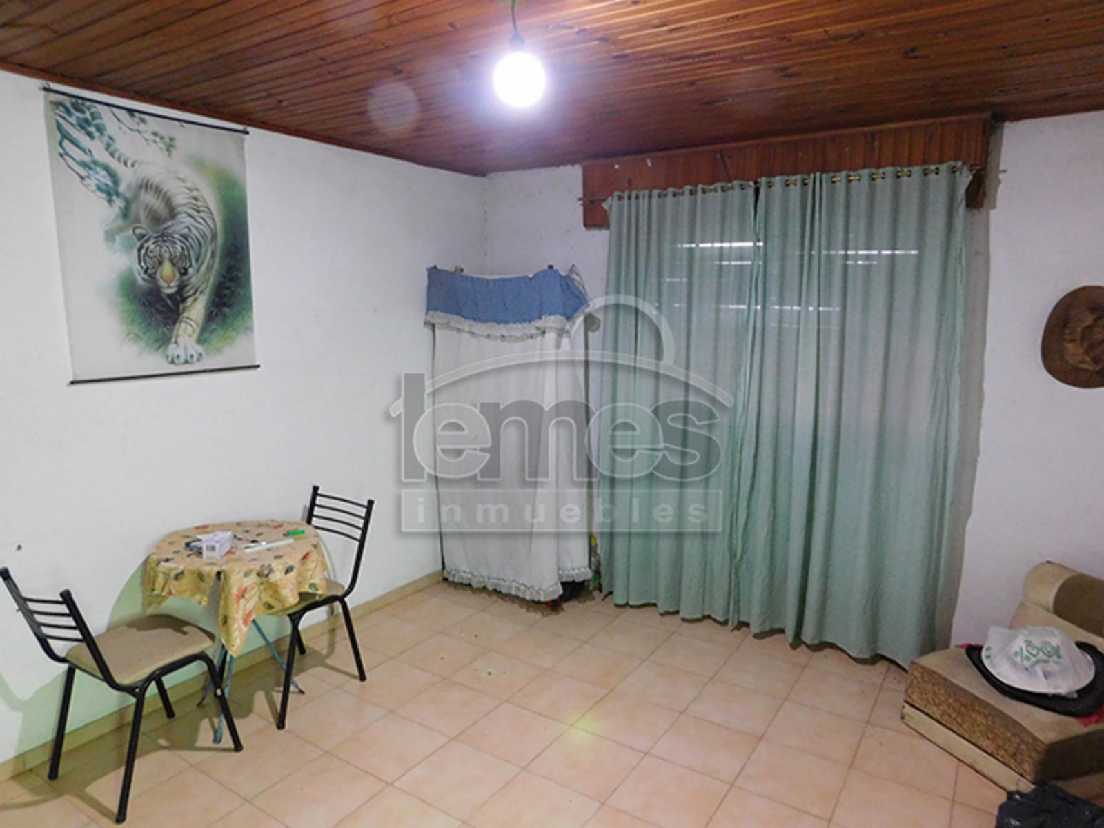 Amplia casa en Colonia Escalante - Acepta casa 2 dorm, menor valor, Lemes Inmuebles