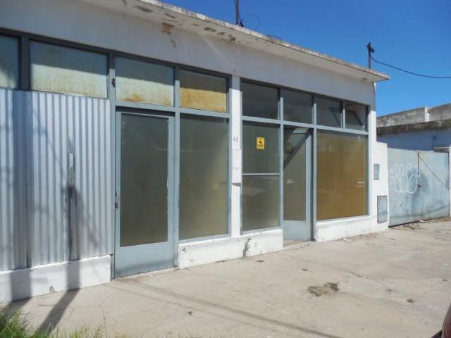 Salones a metros de Av. Luro, Invierta Bienes Raíces