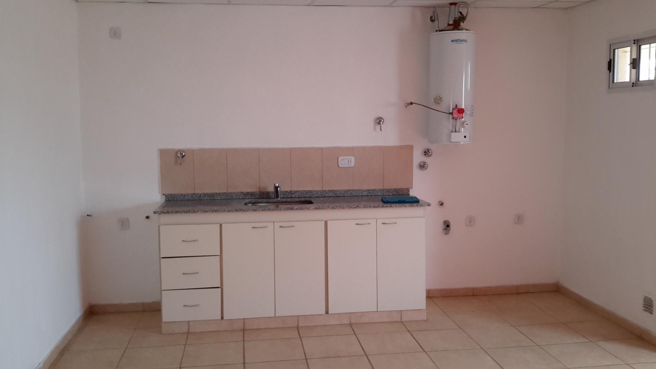 DISPONIBLE UN DORMITORIO POR ESCALERAS, SFerrari Inmobiliaria