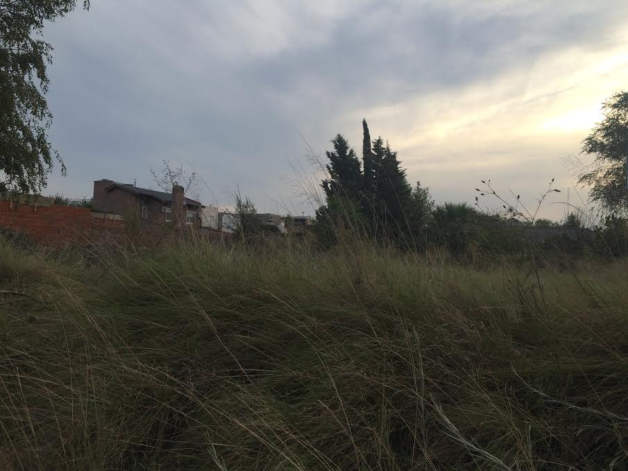 LOTE SOBRE CALLE GRASSI - VILLA AMALIA, H&M Bienes Raíces
