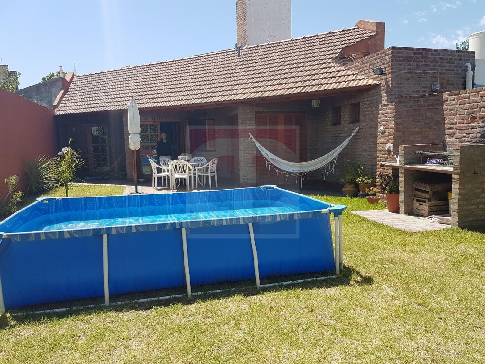 Venta casa Villa Elvina, sobre calle Sucre, DAIANA DOMINGUEZ NEGOCIOS INMOBILIARIOS