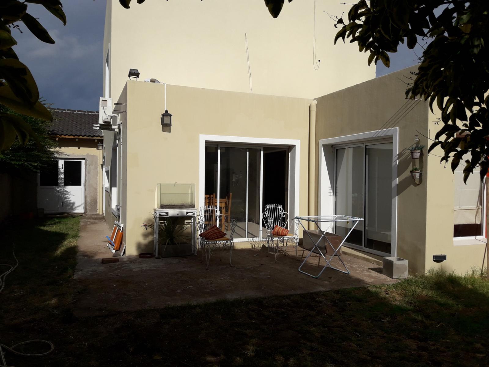 MUY LINDA CASA EN VILLA AMALIA, Guillermo Sanchez Desarrollos Inmobiliarios
